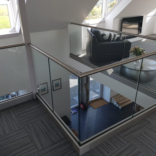 David D Frameless balustrade vantage