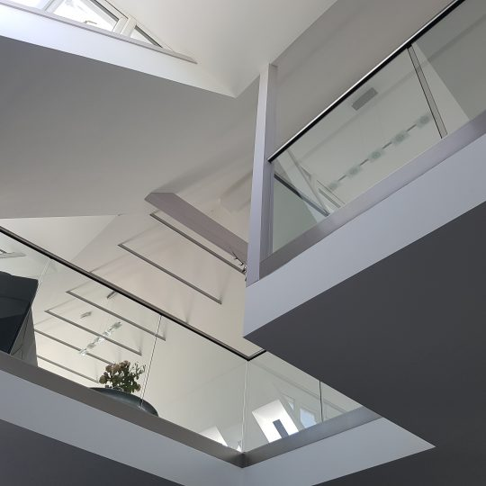David D Frameless glass balustrade vantage