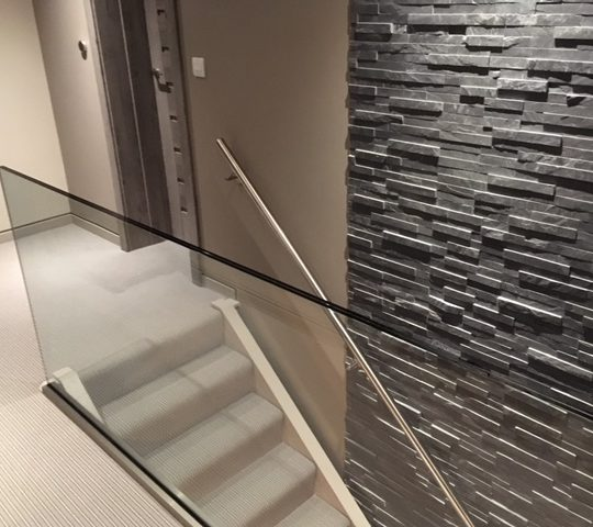 Ken Frameless Balustrade