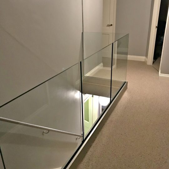 keith frameless glass balustrade